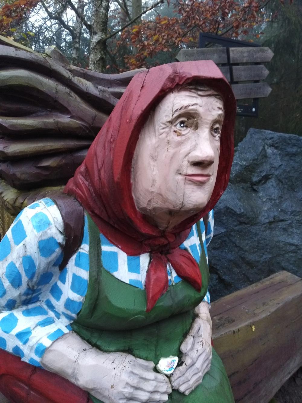 Kiepenfrau am Hexenstieg